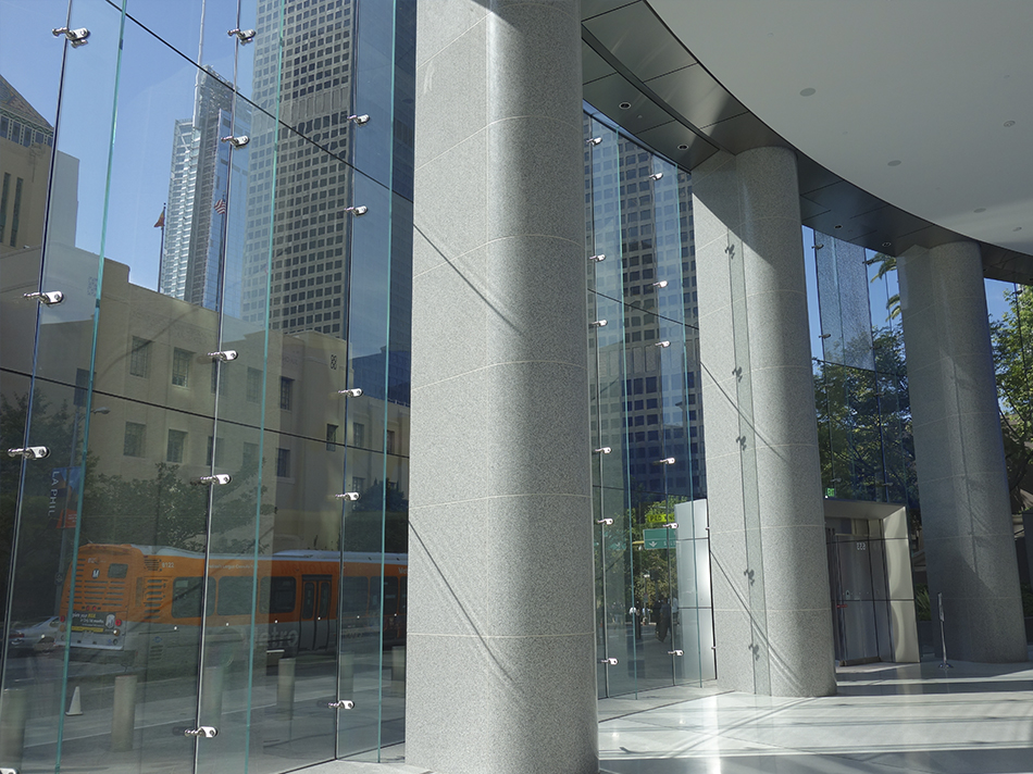 US Bank Los Angeles OUE Jumbo curved glass facade